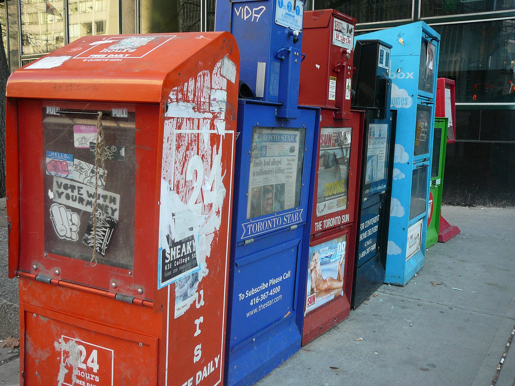 Should there be a policy response to the decline of newspapers in Canada? Image courtesy Steve Harris/CC BY 2.0.